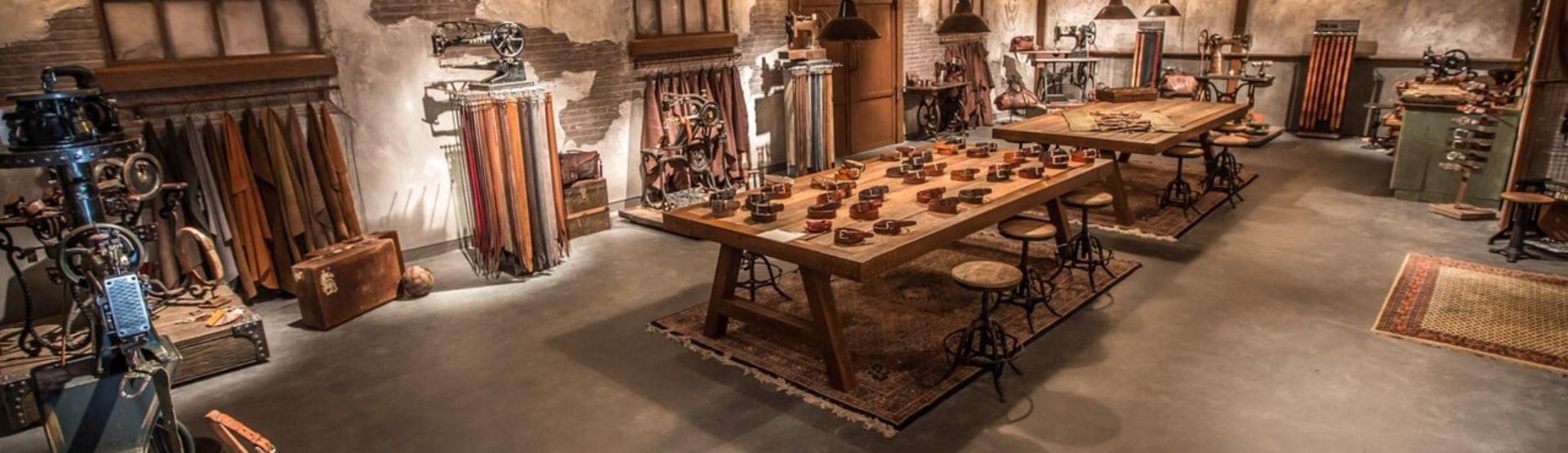 'Ever feel like wearing something extraordinary' | Leatherbelove is webshop met authentieke showroom